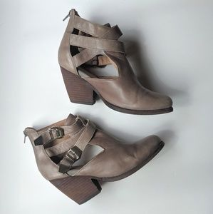 Jeffrey Campbell buckle ankle boots leather 8.5
